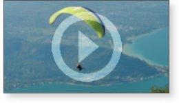 Clip vidéo de parapentes sur le lac d'Annecy