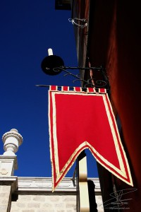 Photo drapeau à Tolède en Espagne