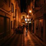 Photo centre ville de Ronda de nuit