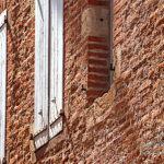 Photo briques et volets du vieil Albi