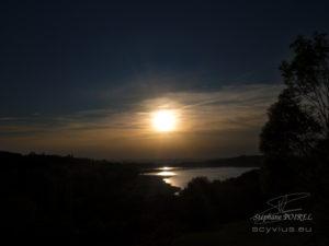 Photo du couché de soleil au lac de Saint Ferreol